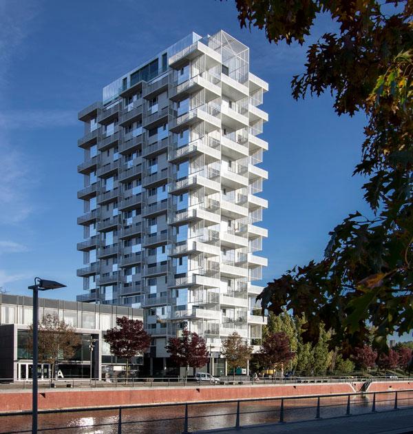 بازسازی برج Sint-Amandscollege