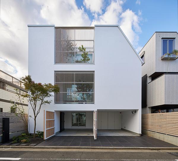 خانه پیوسته با حیاط