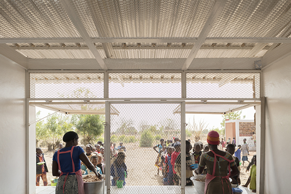 دبیرستان مجتمع آموزشی Bangre Veenem