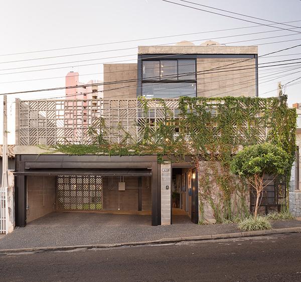 خانه Viewpoint ؛ تسلط فضاهای باز بر فضاهای بسته