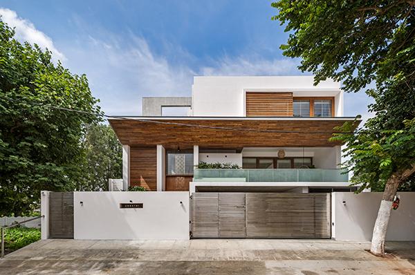 خانه The Urban Courtyard ؛ برگردان اصول خانه سازی هندی به زبان معماری معاصر